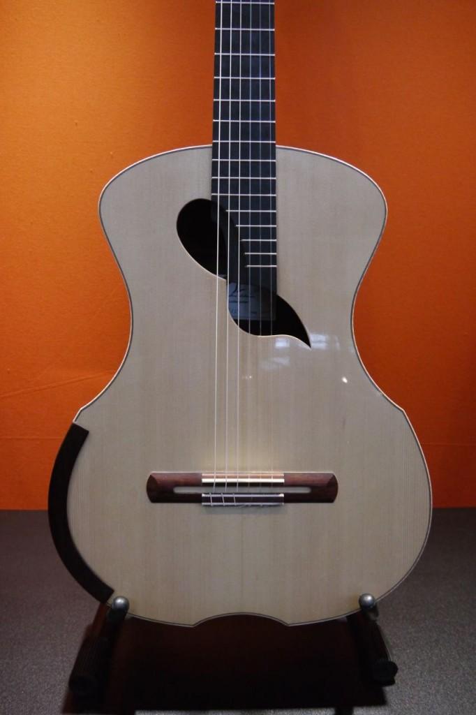 Guitars du luthier Julien Lebrun à Musicora 2015