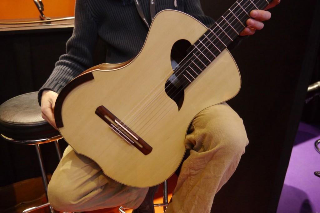 Guitare du luthier Julien Lebrun à Musicora 2015