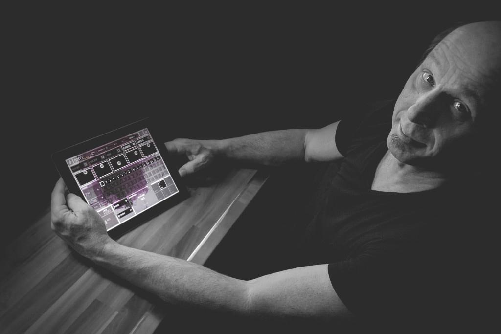 audiophile-adrian-belew-flux-app