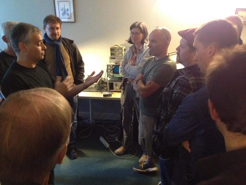 Jean-Luc Chtioui expose au backstagers comment il a conçu le Leo 64