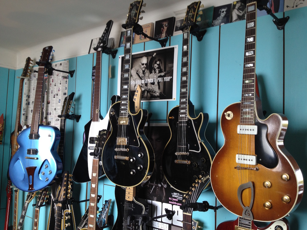 Mur de guitares de Laurent Picciotto