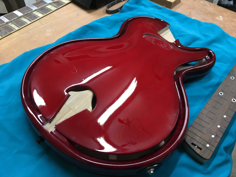 Skype guitar unboxing - Projet Beauregard Alquier