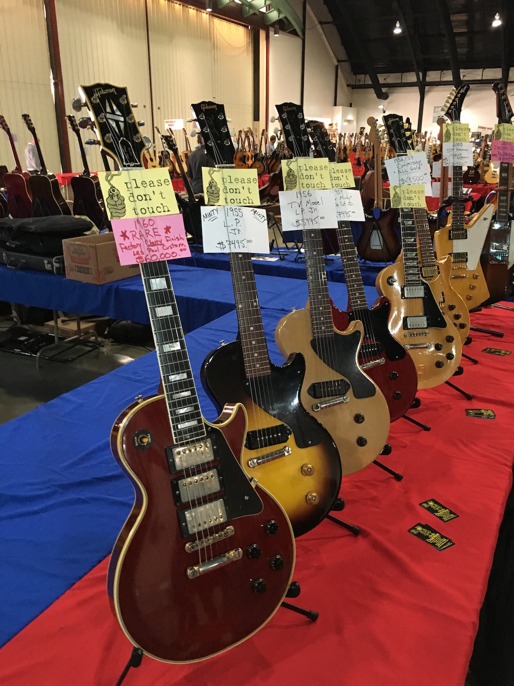 4 Amigos Guitar Show - Les Paul