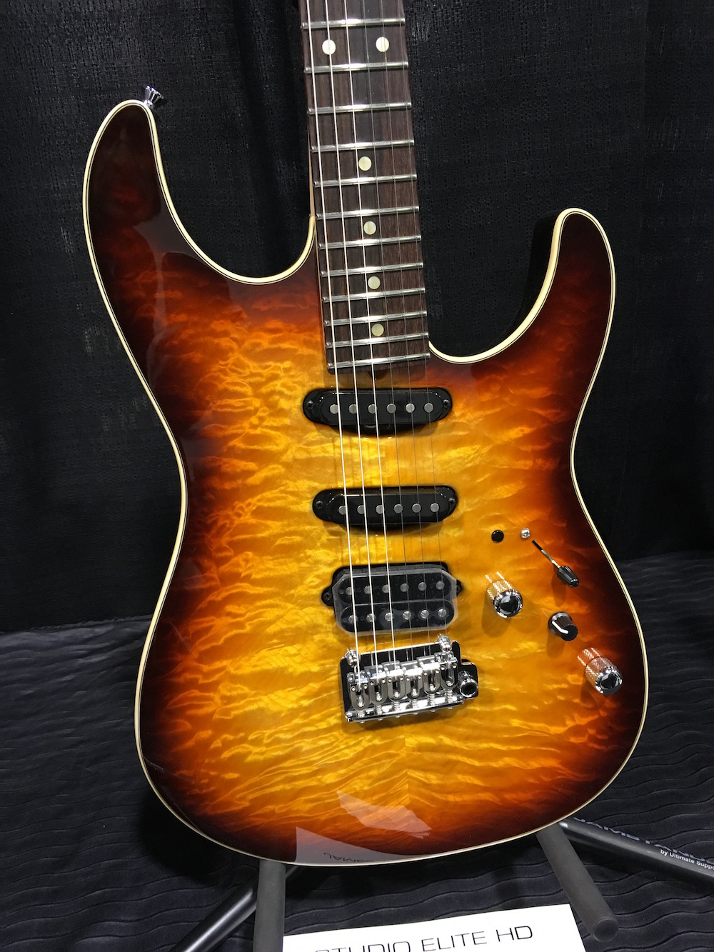 NAMM2016 Tyler Flame Top