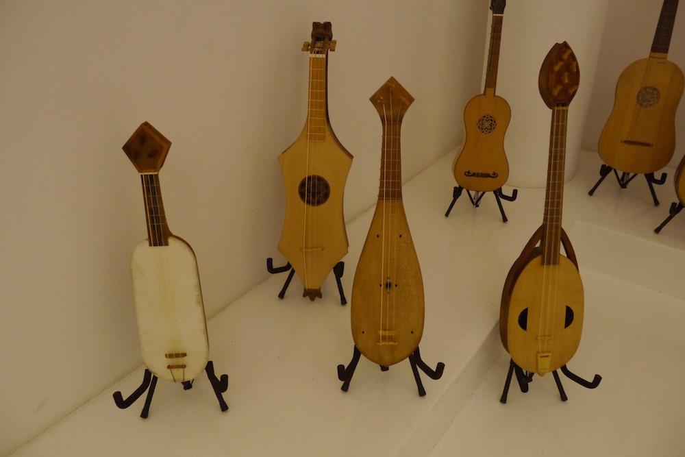 Histoires De Guitares - Instruments du Moyen-Age - Gaedic Chambrier