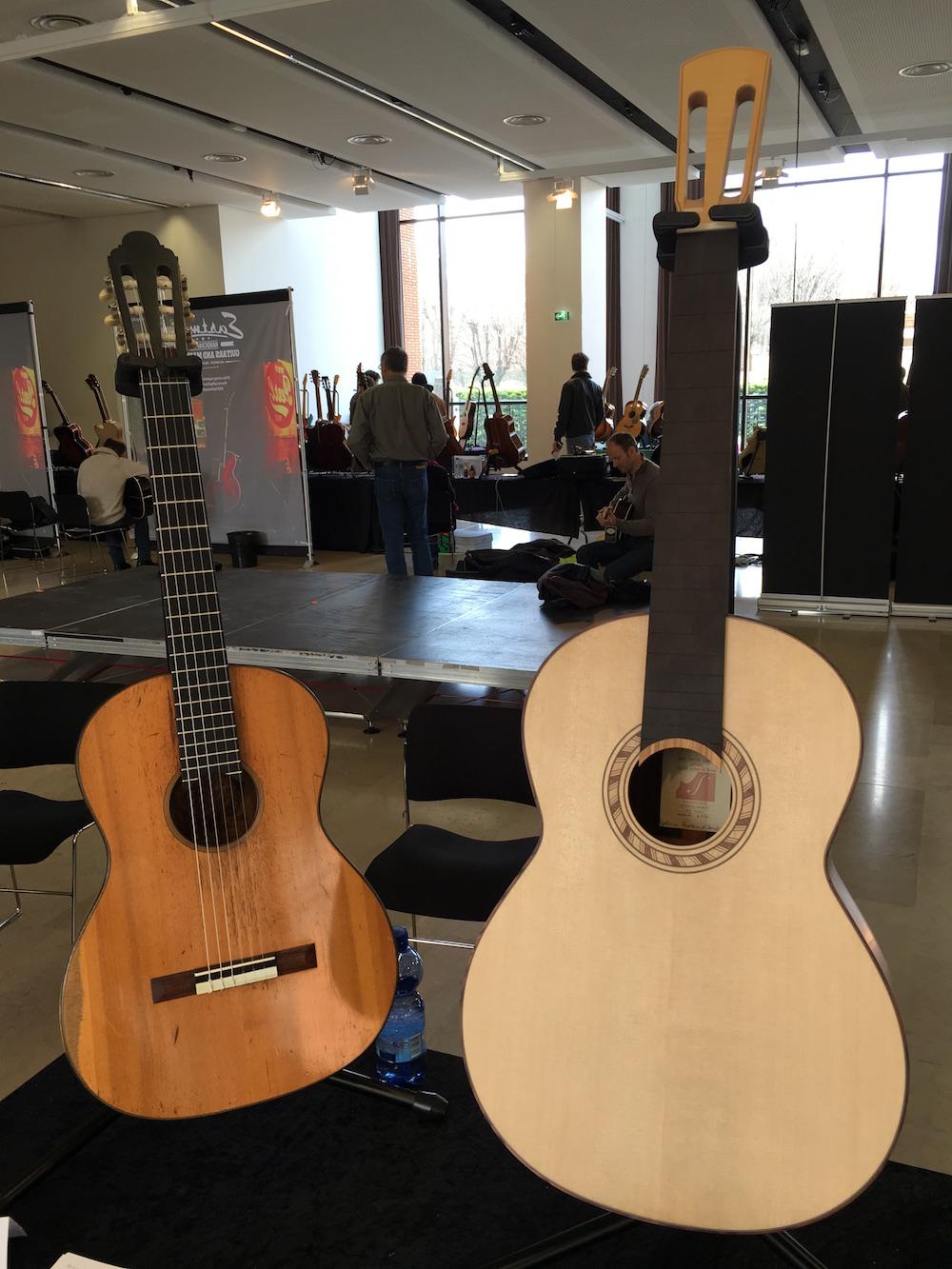 Le stand du luthier Olivier Fanton d'Andon lors de Guitares au Beffroi 2016