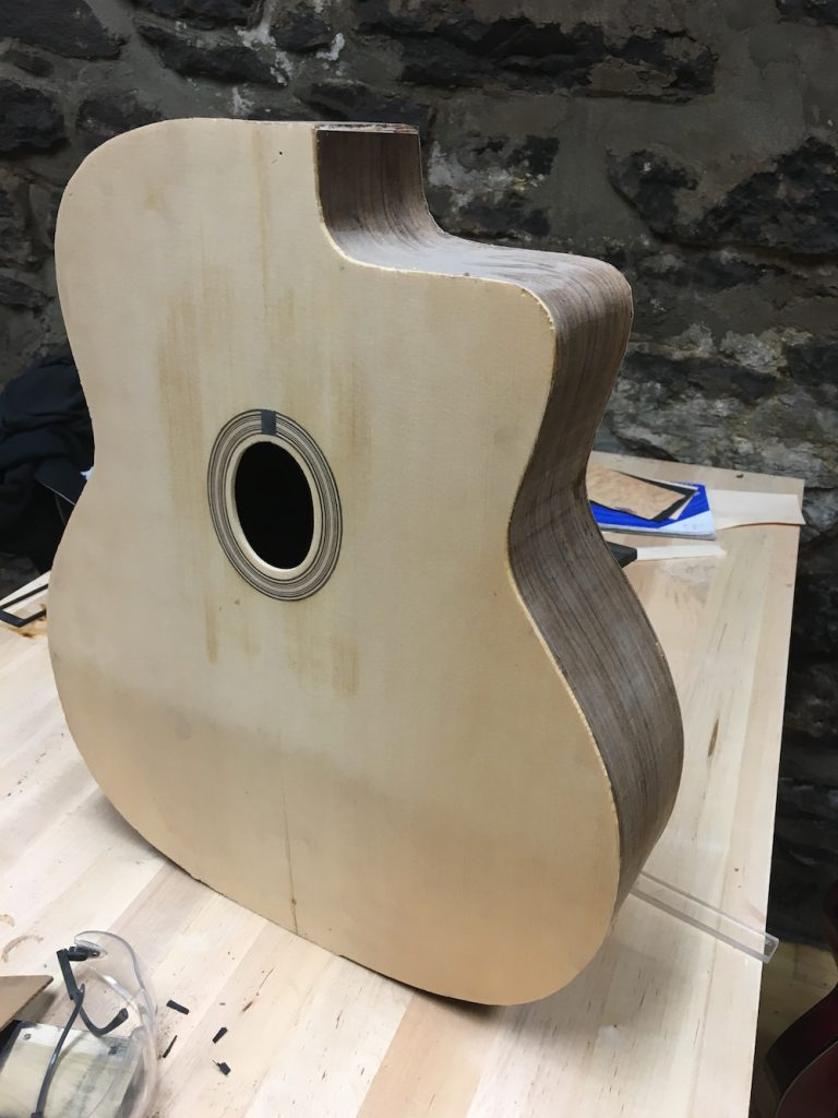 Fabrication instrument de luthier Martin Tremblay - La Chaîne Guitare