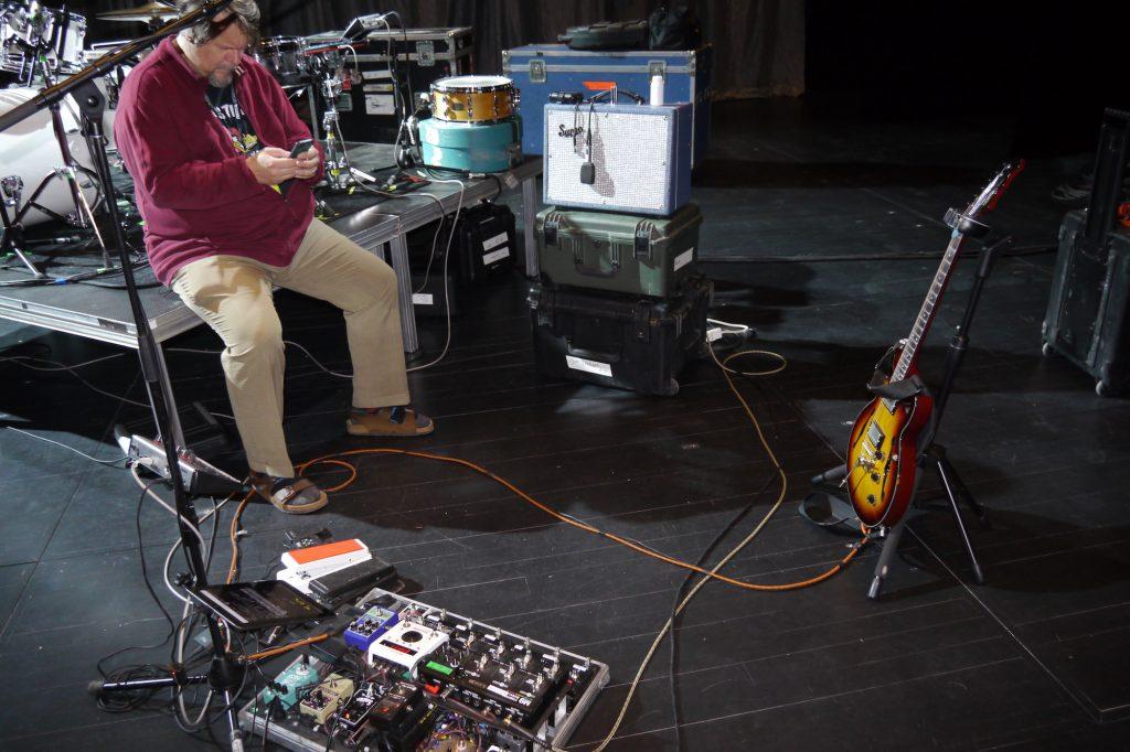 Démo pédalier Teddy Kumpel (guitariste de Joe Jackson) - Matos complet
