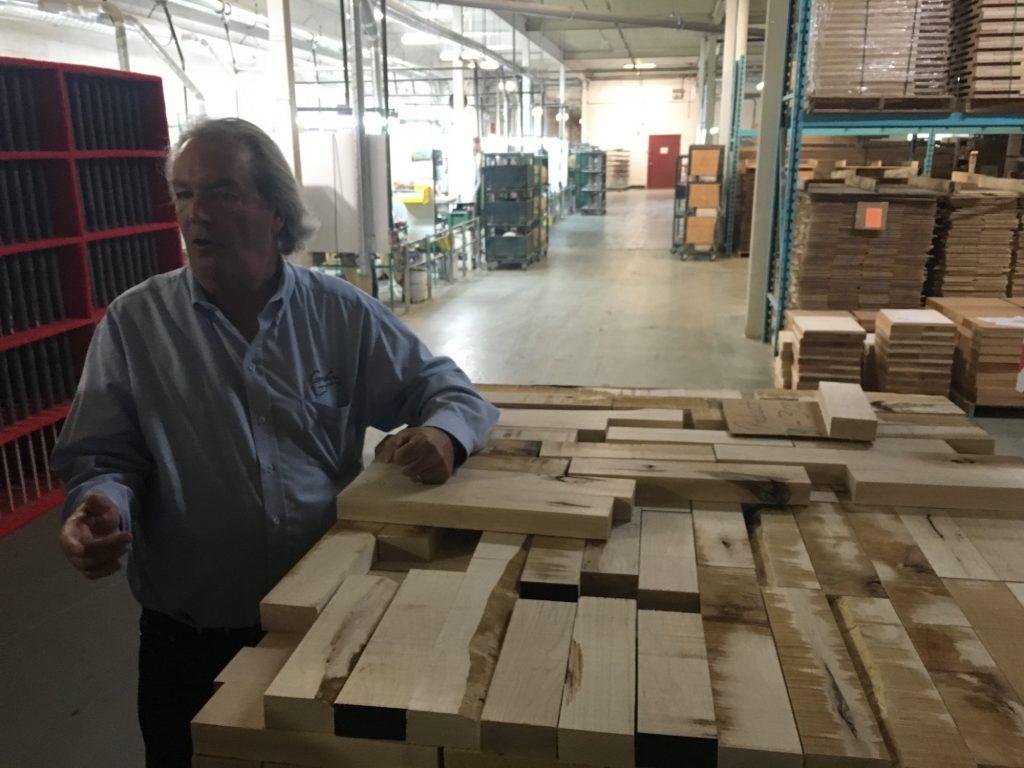 Visite usine Godin Guitars - La Chaîne Guitare
