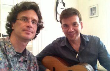 Jean-Félix Lalanne guitare à la main - Une Voix Une Guitare 1/2