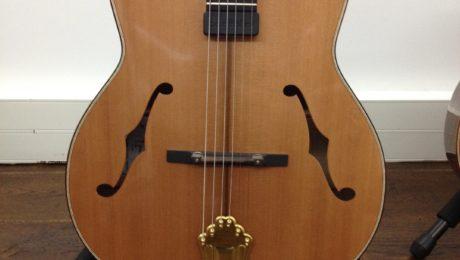 Guitare Jazz hybride du luthier Jérôme Marchand