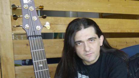 Interview Franck Hermanny un musicien qui a plusieurs cordes à sa basse