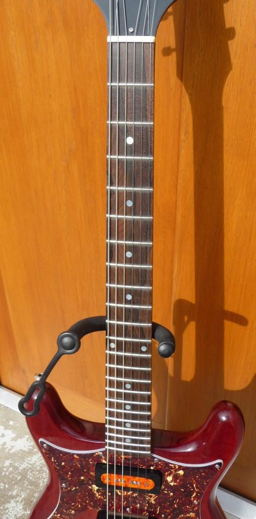 Test Guitare : modèle Coronet du luthier Roger Daguet - La ...