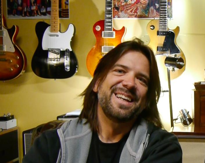 Nik Huber luthier - La Chaîne Guitare