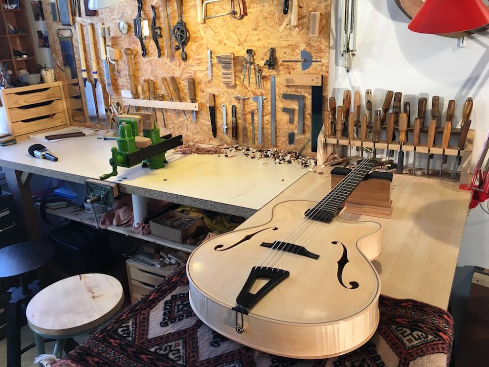 Luthier Adrien Collet - Lancement chroniques lutherie