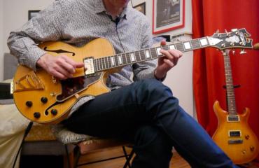 Test Guitare : D'Angelico modèle EX-SS, une belle dame pour jouer Jazz