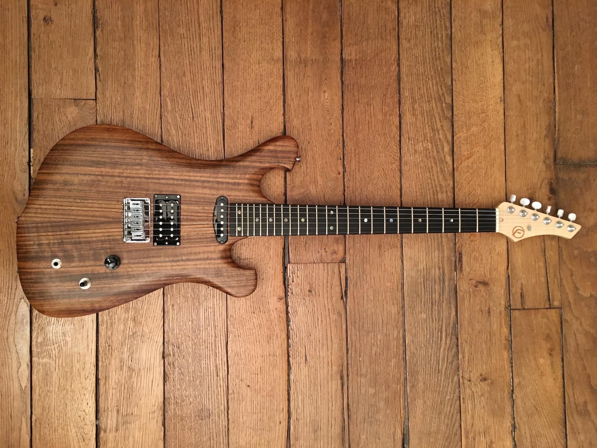 Test Guitare de luthier Franfret - Modèle Oniric
