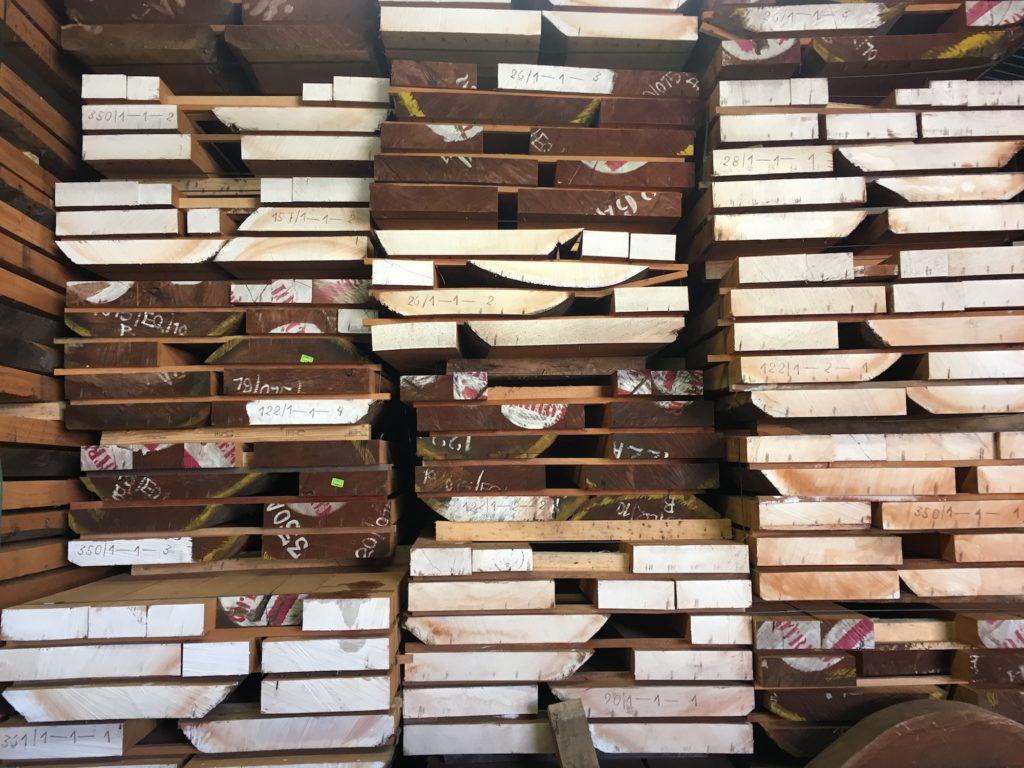 Gestion du bois chez Alhambra Guitarras - La Chaîne Guitare