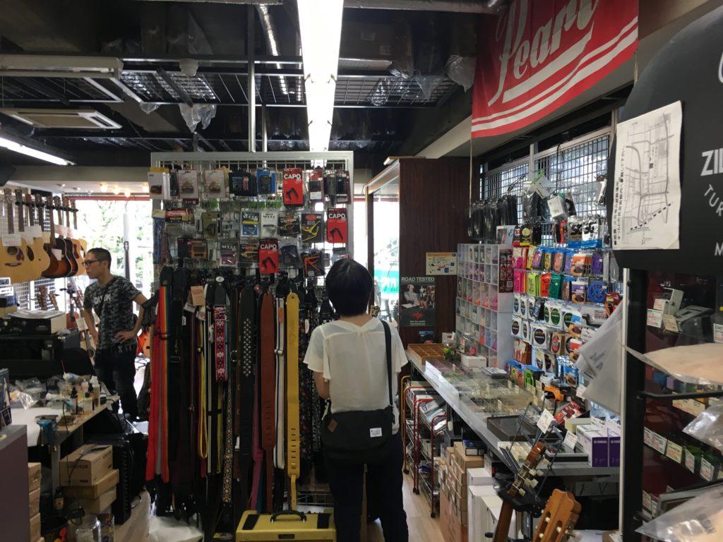 Visite du magasin Oguchi à Matsumoto au Japon : une belle sélection de matos - La Chaîne Guitare
