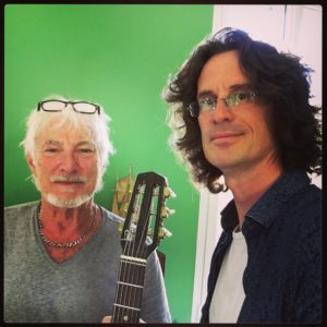 Selfie Hugues Aufray et Pierre Journel - La Chaîne Guitare