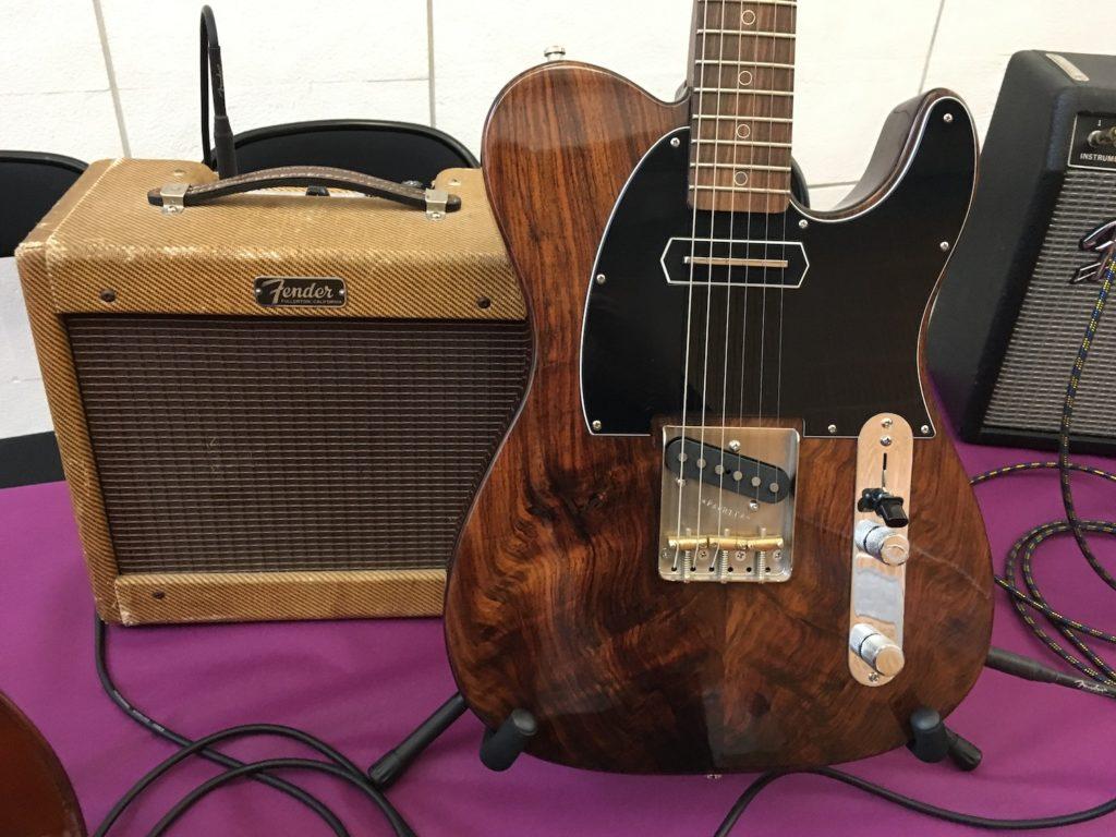 Internationales de la Guitare de Toulouse 2017 - Salon des luthiers électriques - Paprika