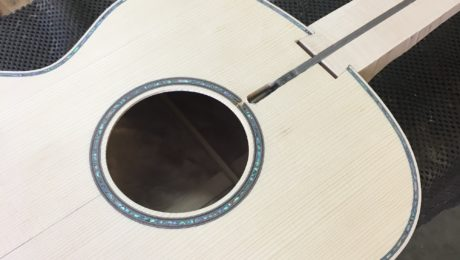 Fabrication et dessin d'une guitare - Franck Cheval (luthier)