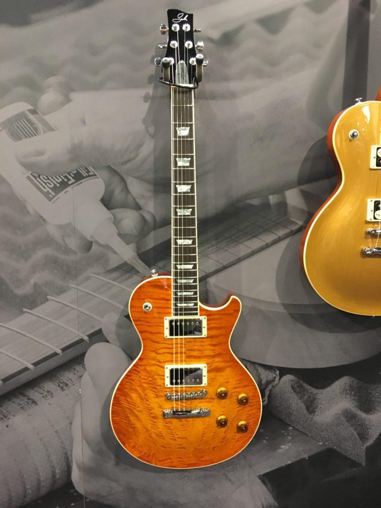 Interview Travis Lingley (Suhr Guitars) - Lancement du modèle Aura - La Chaîne Guitare