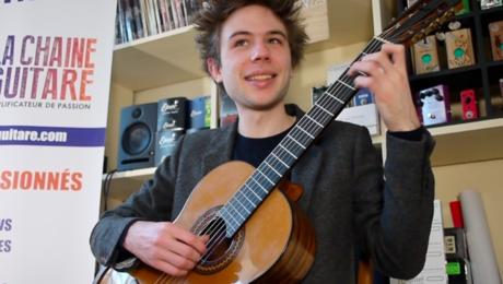Interview Antoine Boyer guitare à la main - Caméléon Waltz