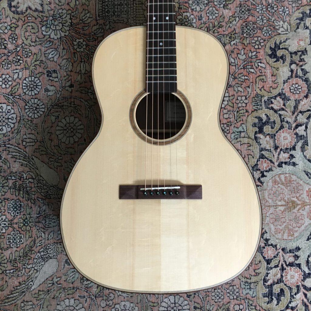 Sylvain Zbinden - Luthier guitare acoustique - 000