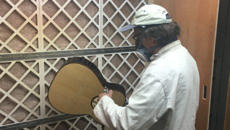 Finition et vernis selon le luthier Franck Cheval