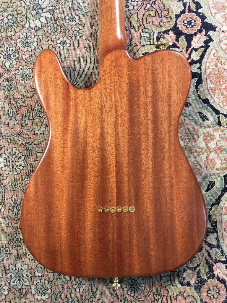 Luthier Florian Epinette - Pinu Guitars - Modèle Brown Sugar