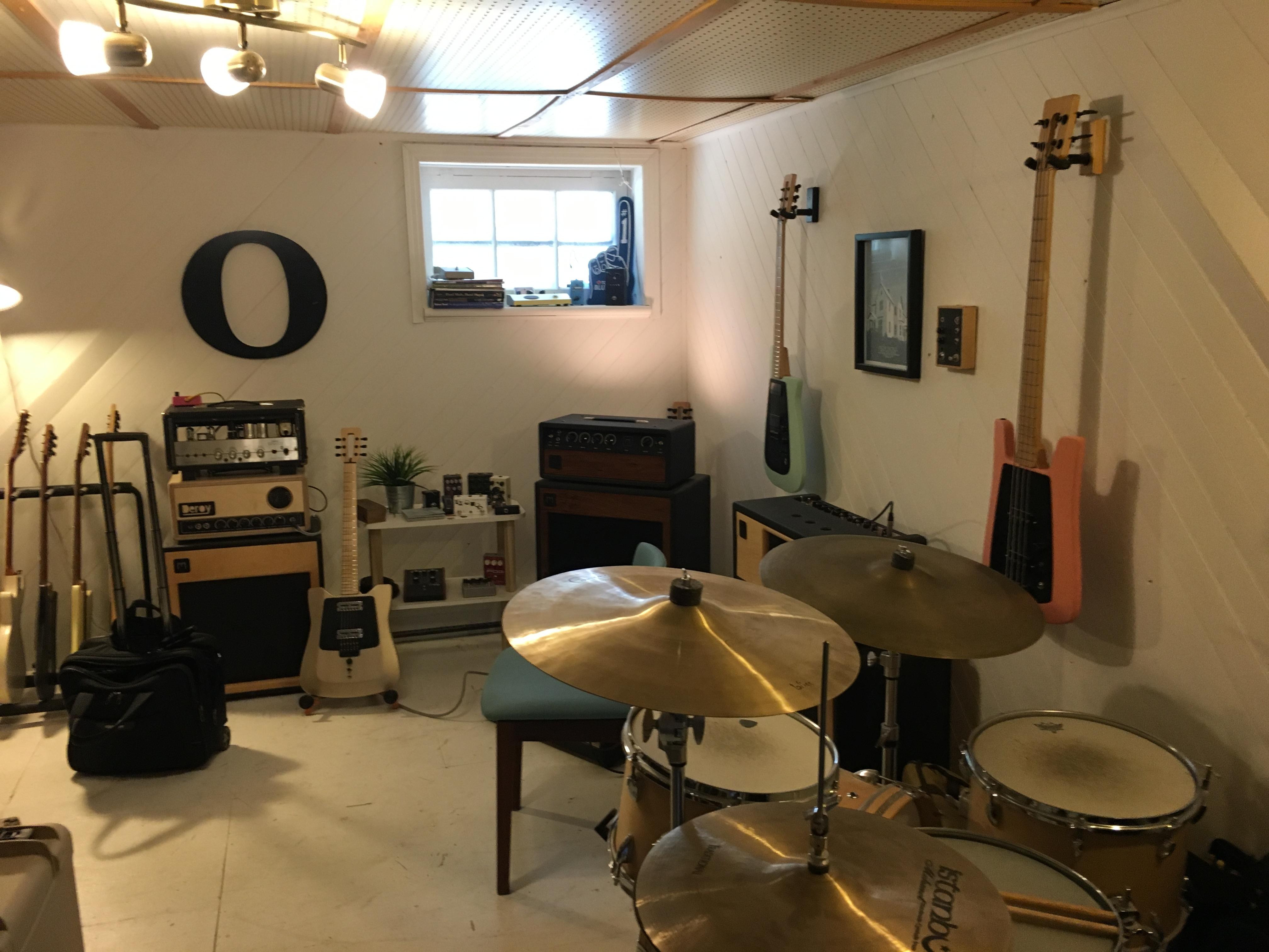 Visite atelier de luthier - Chez Millimetric Instruments à Montréal (suite et fin)