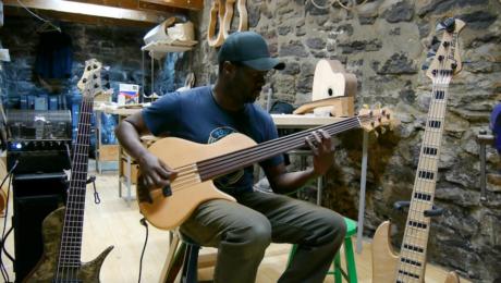 Interview luthier Pierre Erizias - Spécialiste en guitare basse