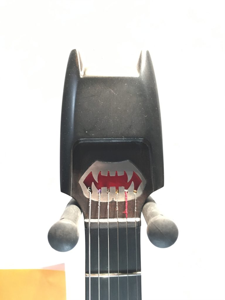 La guitare de Batman - Elyra Guitars - La Chaîne Guitare