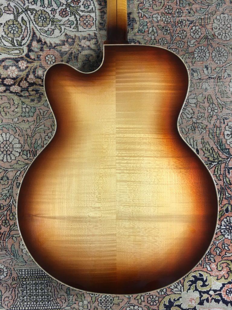 """Test Guitare - Archtop 16,5"""" du luthier Pierre Bertrand"""