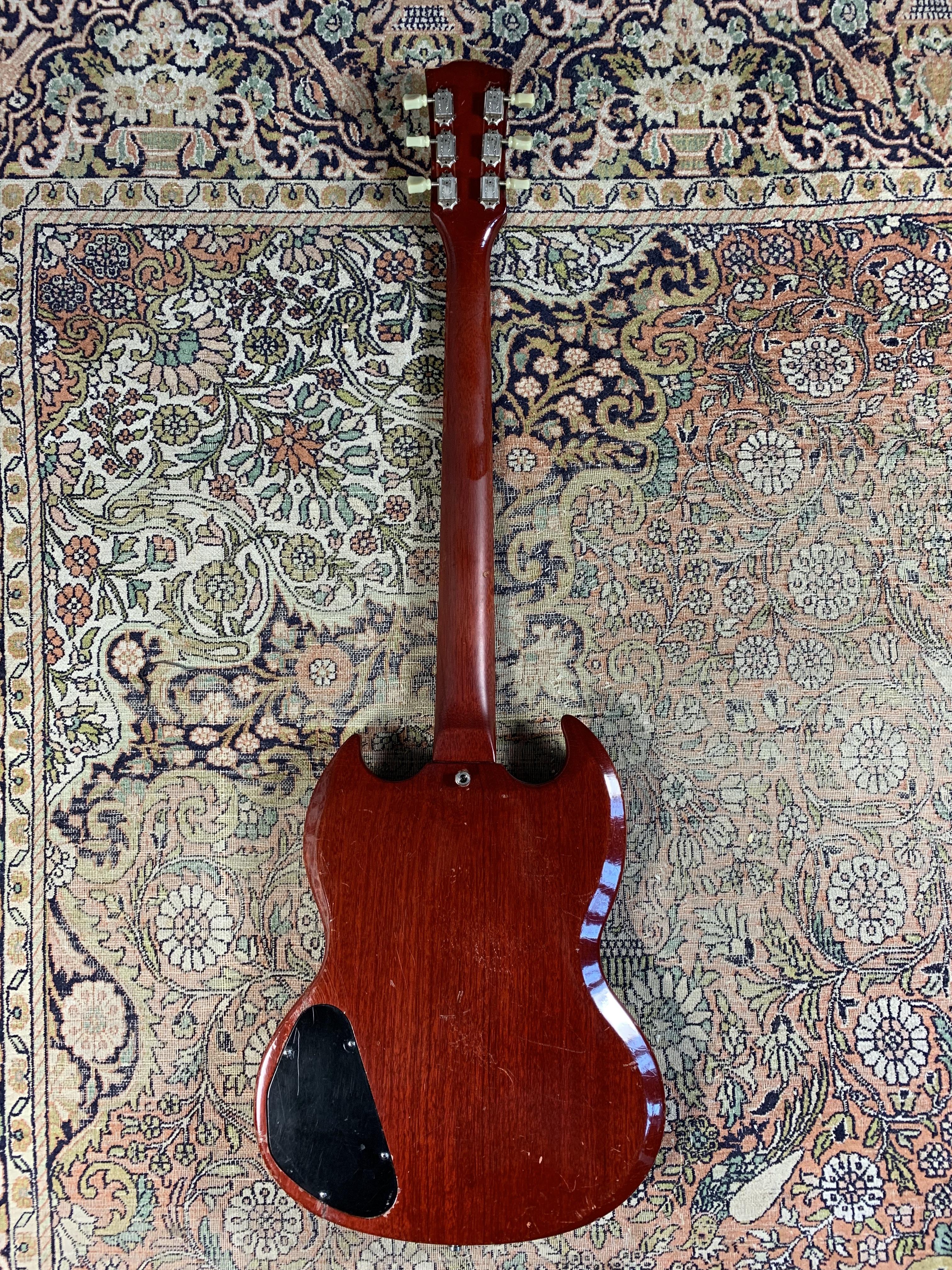 Test Gibson SG Junior 1965, à la Louis Bertignac de Téléphone !