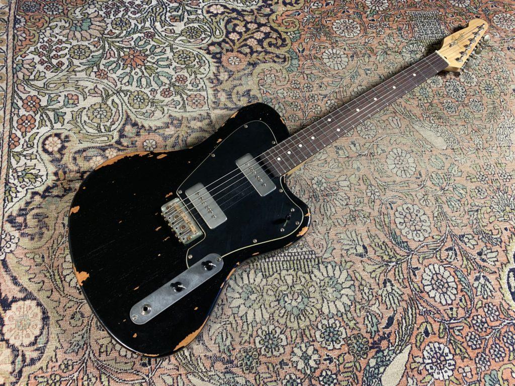 Essai Guitare - California Girault, la forme offset selon Tony Girault