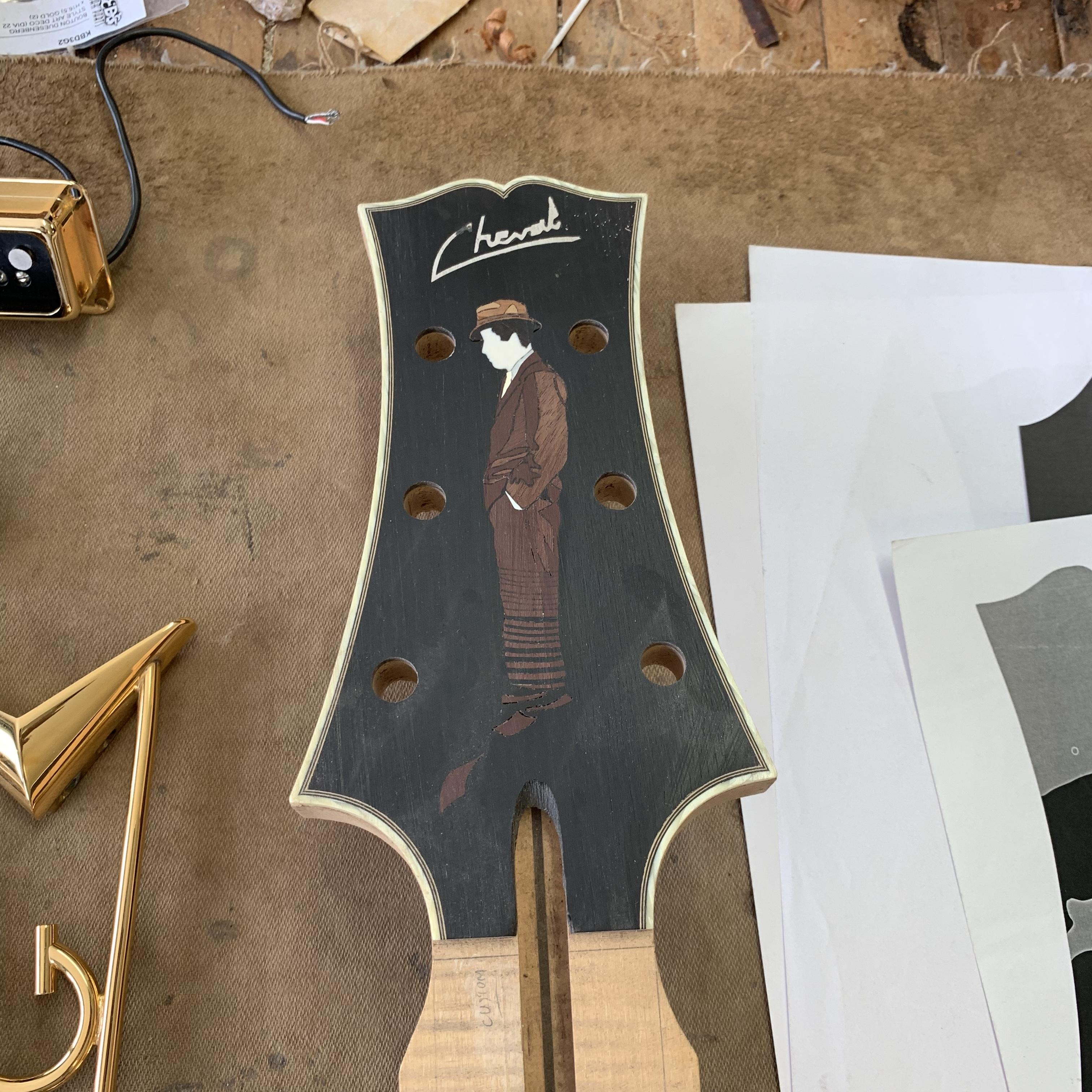 Elaboration de la 700ème guitare du luthier Franck Cheval - Chronique Lutherie