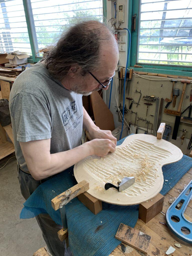 La guitare archtop au microscope par le luthier Franck Cheval - Chronique Lutherie
