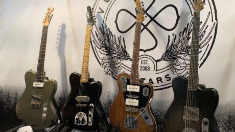 Interview luthier Saku Vuori au Guitar Summit 2019 avec des guitares offset superbes