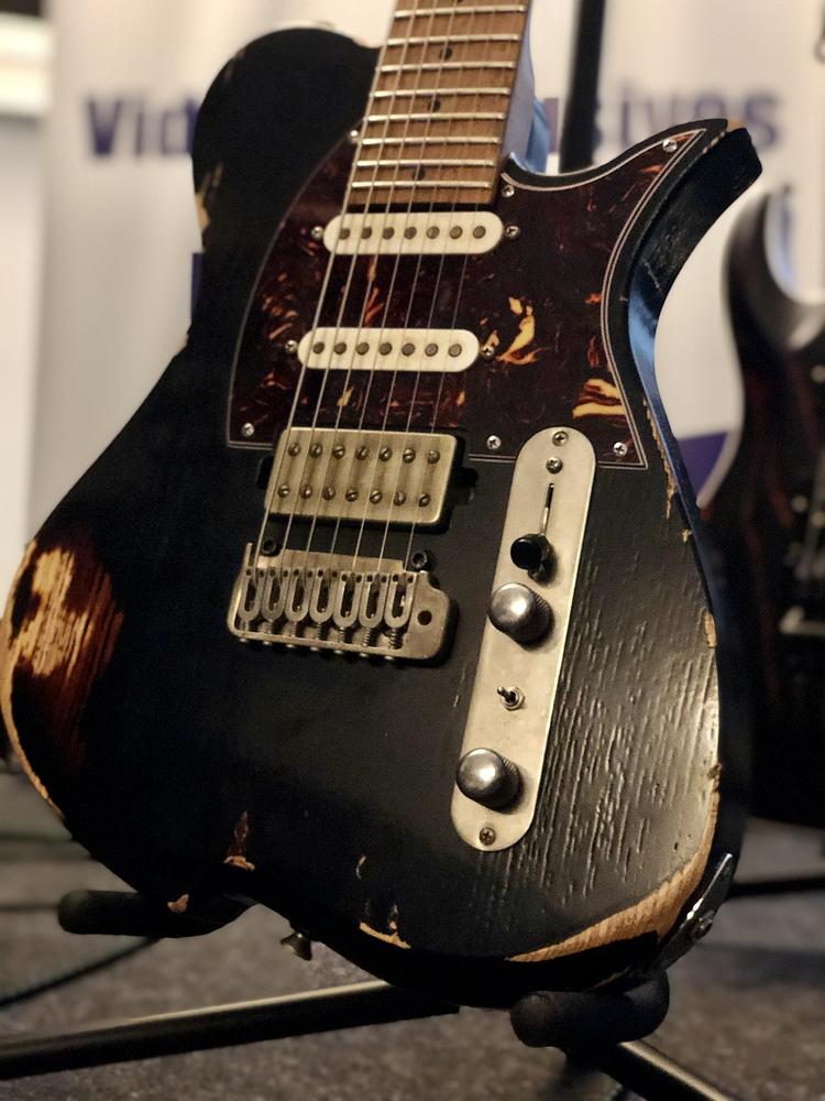 Reportage Soirée Matos Vola Guitar / BD Custom Amp du 20/09/19 - Guitare Vola Kadinja