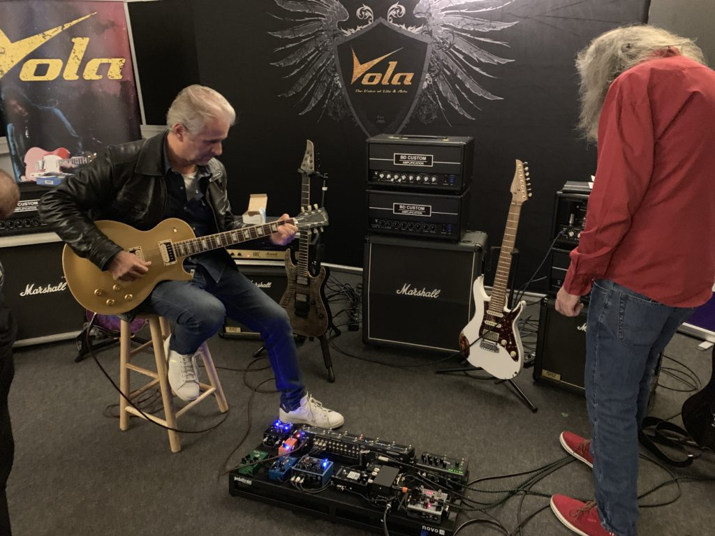 Reportage Soirée Matos Vola Guitar / BD Custom Amp du 20/09/19 - François Delfin