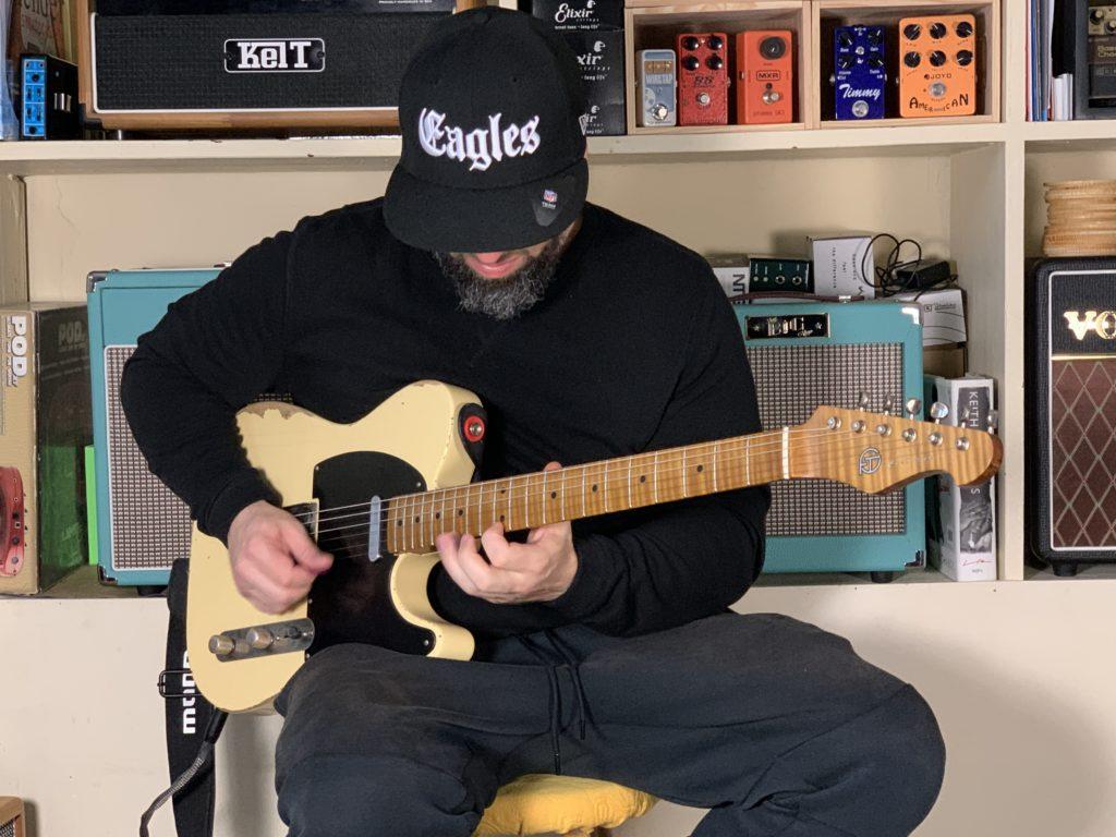 Joon Switon et François Tourand - Un Musicien et Son Luthier