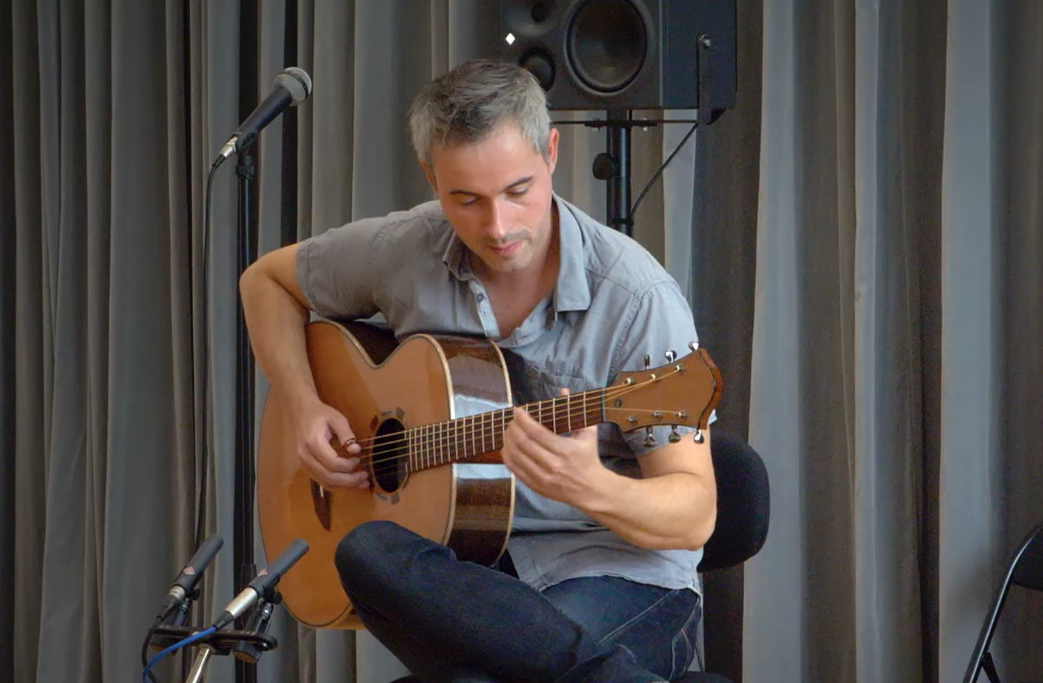 Puteaux 2019 - Luthier Thomas Fejoz - Musicien : Hugo Martin