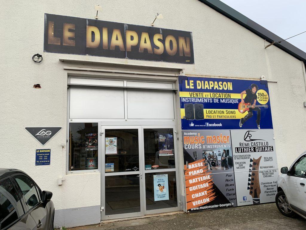 Reportage Soirée Matos Vola Guitar et BD Custom au magasin Le Diapason à Bourges