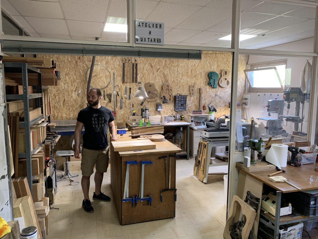 Visite d'atelier chez le luthier Tony Girault à Evreux