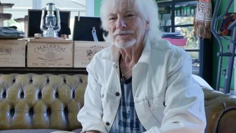 Hugues Aufray, interview intime chez lui au sujet de l'album Autoportrait