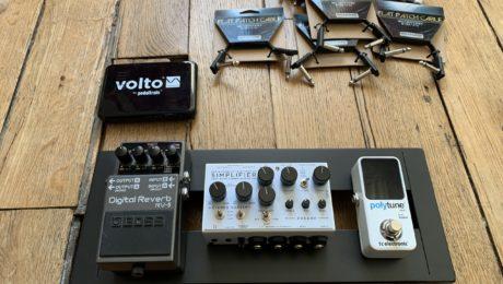 Construction mini pédalier guitare avec trois pédales dont un préampli analogique