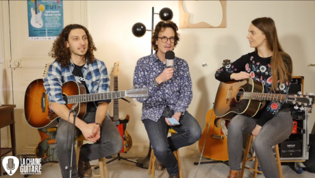 Claire Nivard et Glenn Arzel double interview guitare à la main sur leur Winding Road