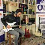 Interview Robin Angelini alias Saturax - Guitare à la Main au showroom